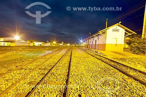 Vista da estação ferroviária de Distrito de Ibiapaba à noite  - Crateús - Ceará (CE) - Brasil