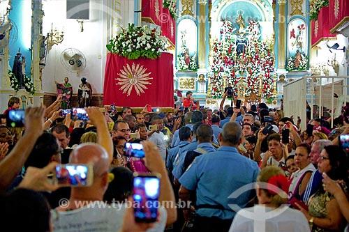 Fiéis durante a missa no dia de São Jorge na Igreja São Gonçalo Garcia e São Jorge  - Rio de Janeiro - Rio de Janeiro (RJ) - Brasil