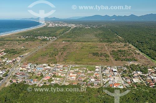Foto aérea de casas no bairro de Pontal do Sul em área de restinga  - Pontal do Paraná - Paraná (PR) - Brasil