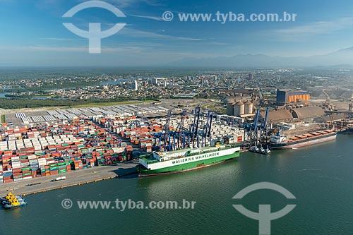 Foto aérea do Terminal de Contêineres do Porto de Paranaguá  - Paranaguá - Paraná (PR) - Brasil