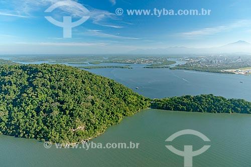 Foto aérea da Ilha Rasa com a cidade de Paranaguá ao fundo  - Paranaguá - Paraná (PR) - Brasil