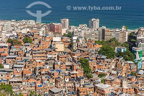 Vista do Favela Pavão Pavãozinho com o bairro de Ipanema ao fundo a partir do cume do Morro do Cantagalo  - Rio de Janeiro - Rio de Janeiro (RJ) - Brasil