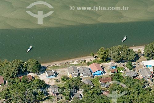 Foto aérea da Vila da Barra do Ararapira no Parque Nacional de Superagüi  - Guaraqueçaba - Paraná (PR) - Brasil