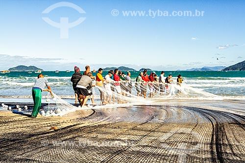 Pesca da tainha na Praia do Pântano do Sul  - Florianópolis - Santa Catarina (SC) - Brasil