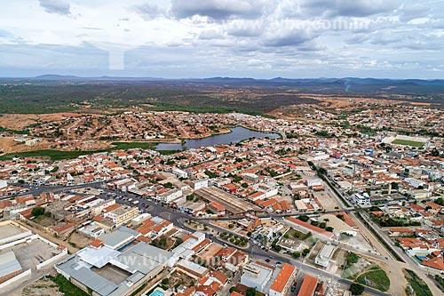 Foto feita com drone da cidade de Salgueiro com o Açude Velho ao fundo  - Salgueiro - Pernambuco (PE) - Brasil