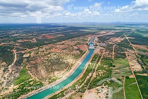 Foto feita com drone do canal próximo à EBI 1 do Projeto de Integração do Rio São Francisco com as bacias hidrográficas do Nordeste Setentrional - eixo leste  - Cabrobó - Pernambuco (PE) - Brasil