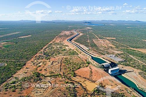 Foto feita com drone do canal próximo à UBI 1 do Projeto de Integração do Rio São Francisco com as bacias hidrográficas do Nordeste Setentrional - eixo leste  - Cabrobó - Pernambuco (PE) - Brasil
