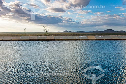 Vista do pôr do sol a partir do reservatório da UBV 1 do Projeto de Integração do Rio São Francisco com as bacias hidrográficas do Nordeste Setentrional - eixo leste  - Floresta - Pernambuco (PE) - Brasil
