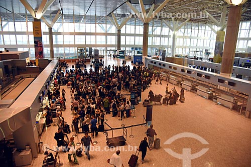 Fila para o check-in no Aeroporto Internacional de Viracopos  - Campinas - São Paulo (SP) - Brasil