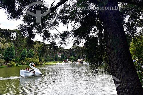 Pedalinhos no lago do Parque do Lago Negro   - Gramado - Rio Grande do Sul (RS) - Brasil