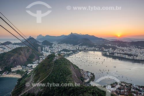 Vista do Pão de Açúcar durante a travessia entre o Morro da Urca  - Rio de Janeiro - Rio de Janeiro (RJ) - Brasil