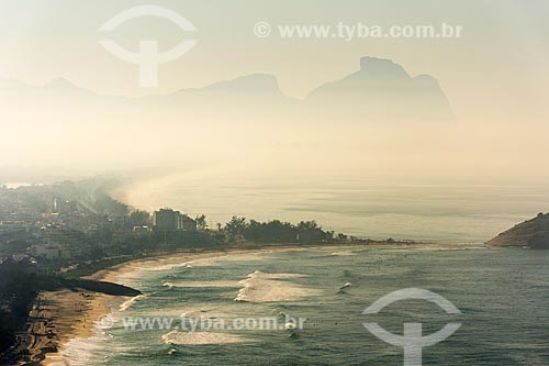 Vista da Praia da Macumba a partir do Morro do Caeté com a Pedra da Gávea ao fundo  - Rio de Janeiro - Rio de Janeiro (RJ) - Brasil