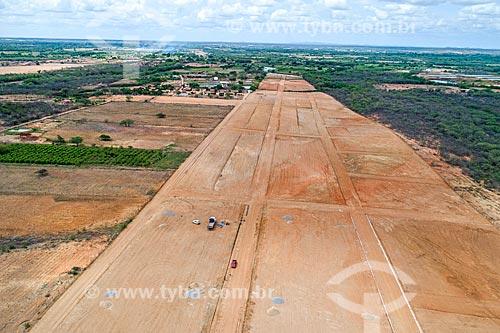 Foto feita com drone de loteamento na margem de rodovia  - Cabrobó - Pernambuco (PE) - Brasil