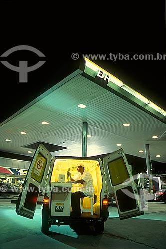 Laboratório móvel para análise de gasolina e álcool do Programa De Olho no Combustível dos Posto de gasolina da PETROBRAS  - Rio de Janeiro - Rio de Janeiro (RJ) - Brasil