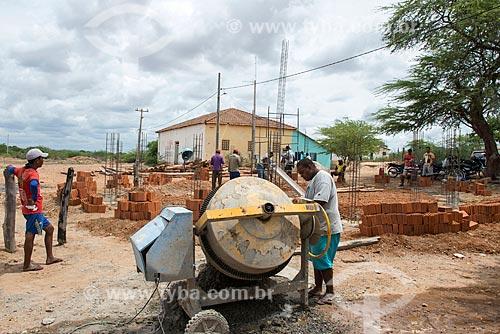 Mutirão para construção de oca na Comunidade Caatinga Grande na Terra indígena Truká - ACRÉSCIMO DE 100% SOBRE O VALOR DE TABELA  - Cabrobó - Pernambuco (PE) - Brasil