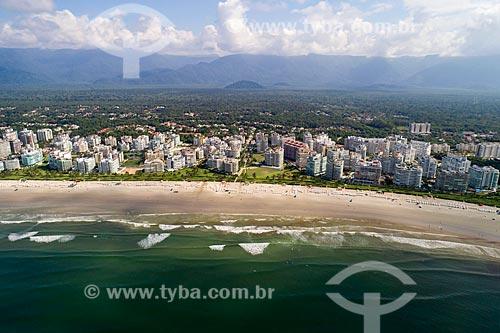 Foto feita com drone da Praia da Riviera de São Lourenço com a Serra do Itatinga ao fundo  - Bertioga - São Paulo (SP) - Brasil