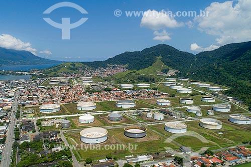 Foto feita com drone do Terminal Petroquímico da TRANSPETRO - subsidiária da PETROBRAS - no Porto de São Sebastião  - São Sebastião - São Paulo (SP) - Brasil