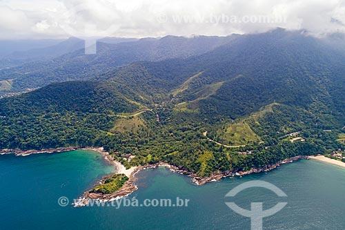 Foto feita com drone da orla do bairro de Calhetas com o Núcleo São Sebastião do Parque Estadual da Serra do Mar  - São Sebastião - São Paulo (SP) - Brasil