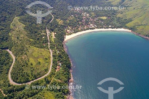 Foto feita com drone da Praia do Toque-Toque Grande com a Rodovia Doutor Manuel Hipólito Rego (SP-055)  - São Sebastião - São Paulo (SP) - Brasil