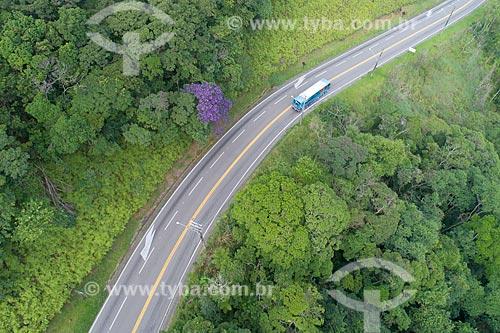 Foto feita com drone da Rodovia Doutor Manuel Hipólito Rego (SP-055) no Núcleo São Sebastião do Parque Estadual da Serra do Mar entre os bairro de Maresias e Boicucanga  - São Sebastião - São Paulo (SP) - Brasil