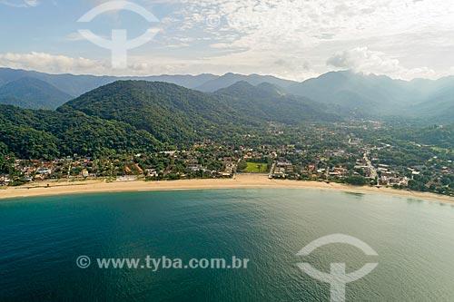 Foto feita com drone da Praia de Boicucanga com o Núcleo São Sebastião do Parque Estadual da Serra do Mar ao fundo  - São Sebastião - São Paulo (SP) - Brasil