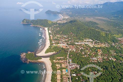 Foto feita com drone da Praia de Camburi - acima - com a Praia de Camburizinho - abaixo - com a Praia da Baleia ao fundo  - São Sebastião - São Paulo (SP) - Brasil