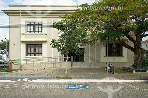 Vaga para deficiente em frente ao Fórum de São Sebastião  - São Sebastião - São Paulo (SP) - Brasil