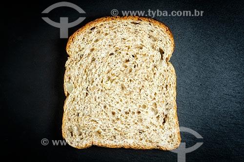 Detalhe de fatia de pão integral  - Florianópolis - Santa Catarina (SC) - Brasil