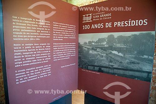 Placa informativa no interior do Museu do Cárcere no antigo Presídio de Ilha Grande  - Angra dos Reis - Rio de Janeiro (RJ) - Brasil