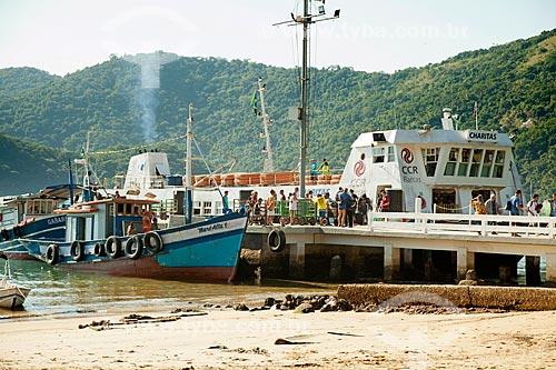 Passageiros desembarcando no Porto da Vila do Abraão  - Angra dos Reis - Rio de Janeiro (RJ) - Brasil