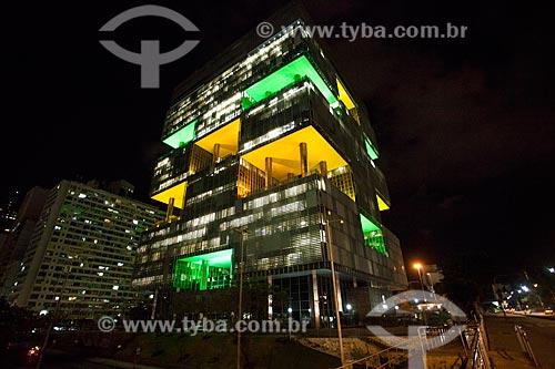 Vista do edifício Sede da Petrobras à noite  - Rio de Janeiro - Rio de Janeiro (RJ) - Brasil