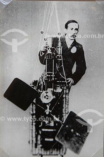 Fotografia de Alberto Santos Dumont - reprodução do acervo do Museu Aeroespacial (1976) na Base Aérea dos Afonsos  - Rio de Janeiro - Rio de Janeiro (RJ) - Brasil