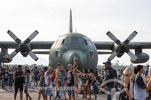 Avião Hércules da Força Aérea Brasileira em exibição na Base Aérea dos Afonsos durante a comemoração dos 145 anos do nascimento de Santos Dumont  - Rio de Janeiro - Rio de Janeiro (RJ) - Brasil