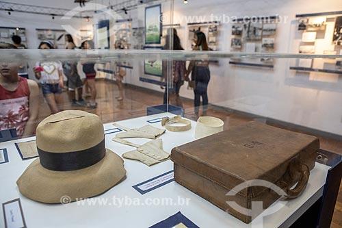 Chapéu Panamá e mala que pertenceram à Alberto Santos Dumont em exibição no Museu Aeroespacial (1976) na Base Aérea dos Afonsos  - Rio de Janeiro - Rio de Janeiro (RJ) - Brasil