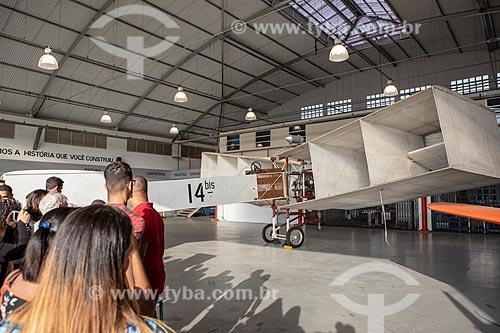 Réplica do 14-Bis em exibição no Museu Aeroespacial (1976) na Base Aérea dos Afonsos durante a comemoração dos 145 anos do nascimento de Santos Dumont  - Rio de Janeiro - Rio de Janeiro (RJ) - Brasil