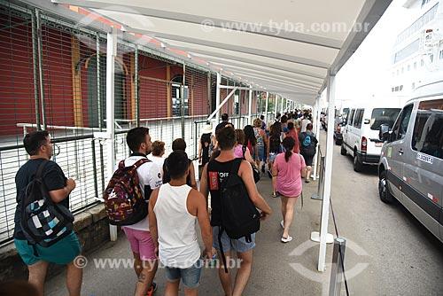 Passageiros desembarcando no Píer Mauá  - Rio de Janeiro - Rio de Janeiro (RJ) - Brasil