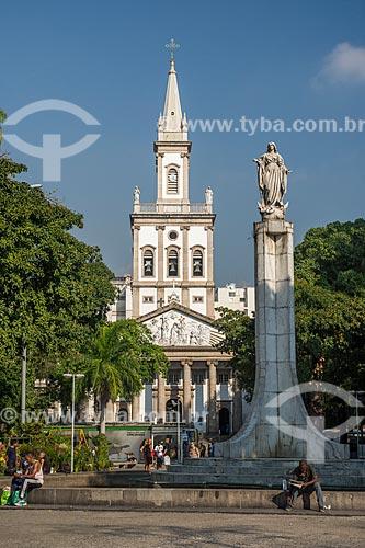 Vista do Largo do Machado com a Igreja Matriz de Nossa Senhora da Glória (1872) ao fundo  - Rio de Janeiro - Rio de Janeiro (RJ) - Brasil