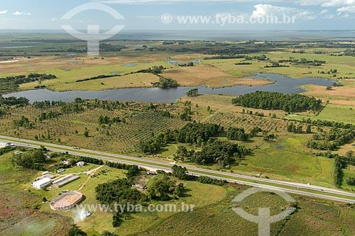 Vista aérea da Rodovia BR-471  - Rio Grande - Rio Grande do Sul (RS) - Brasil