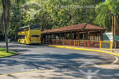 Ponto de ônibus de Porto Canoas no Parque Nacional do Iguaçu  - Foz do Iguaçu - Paraná (PR) - Brasil