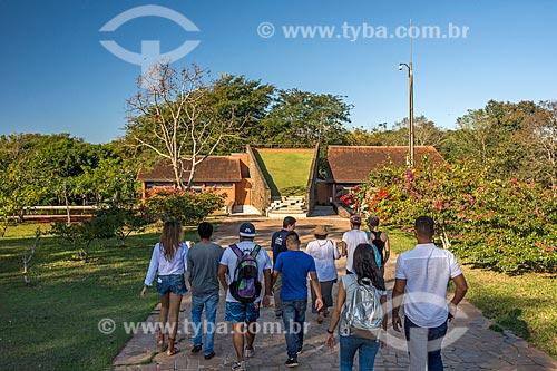 Turistas no Refúgio Biológico Bela Vista  - Foz do Iguaçu - Paraná (PR) - Brasil