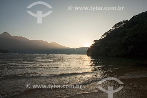 Vista do pôr do sol a partir da Praia da Crena  - Angra dos Reis - Rio de Janeiro (RJ) - Brasil