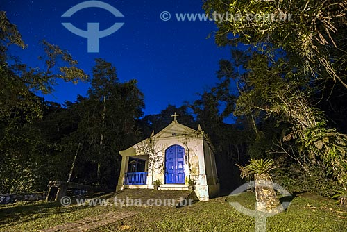 Capela de Nossa Senhora da Conceição do Soberbo (1713) - no Centro de Visitantes von Martius do Parque Nacional da Serra dos Órgãos durante a noite  - Guapimirim - Rio de Janeiro (RJ) - Brasil