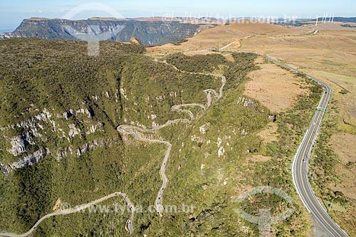 Trecho da Rodovia SC-390 - antiga SC-438 - na Serra do Rio do Rastro  - Bom Jardim da Serra - Santa Catarina (SC) - Brasil