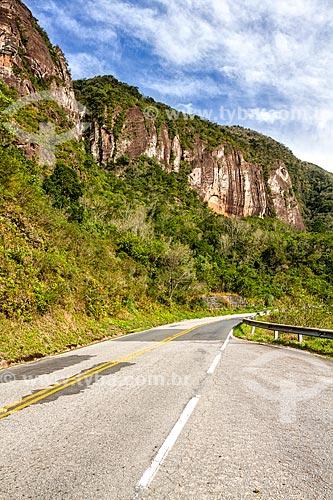 Trecho da Rodovia SC-390 - antiga SC-438  - Lauro Muller - Santa Catarina (SC) - Brasil
