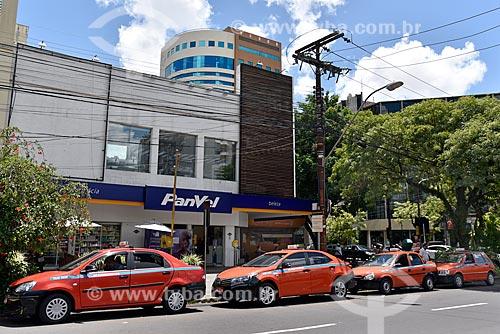 Ponto de táxi na Rua Vinte e Quatro de Outubro  - Porto Alegre - Rio Grande do Sul (RS) - Brasil