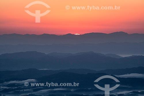 Vista do amanhecer a partir do mirante na Rodovia SC-390 - antiga SC-438 - na Serra do Rio do Rastro  - Bom Jardim da Serra - Santa Catarina (SC) - Brasil