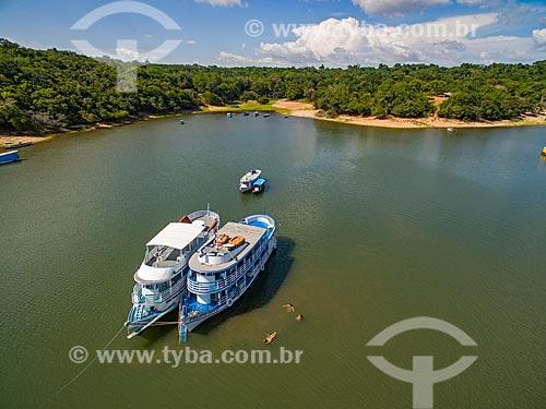 Foto aérea de chalanas - embarcação regional - no Rio Arapiuns  - Santarém - Pará (PA) - Brasil