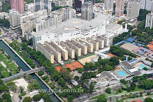 Foto aérea da Cruzada São Sebastião (1955) e do Clube Monte Líbano  - Rio de Janeiro - Rio de Janeiro (RJ) - Brasil