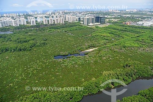 Foto aérea de área de manguezal com prédios ao fundo  - Rio de Janeiro - Rio de Janeiro (RJ) - Brasil