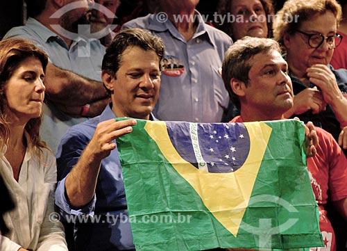 Fernando Haddad e Lindberg Farias em comício de campanha à presidência pelo Partido dos Trabalhadores (PT) na Cinelândia  - Rio de Janeiro - Rio de Janeiro (RJ) - Brasil